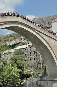 Mostar - Le grand saut depuis le vieux pont - Mocтap