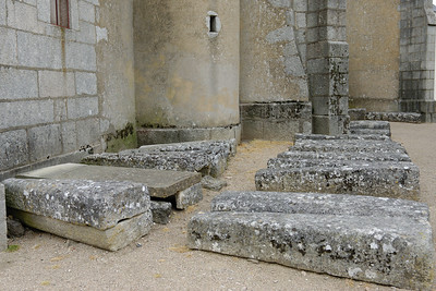 Sarkophages at Quarre-les-Tombes