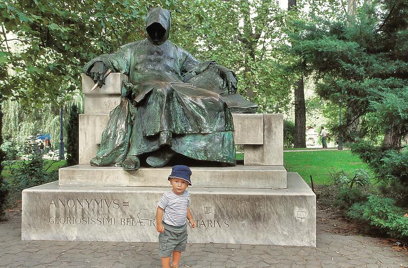 Statue de l'Anonymus
