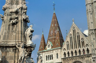 Colonne de la Peste et église Mátyás