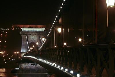 Széchényi Chain Bridge, Budapest