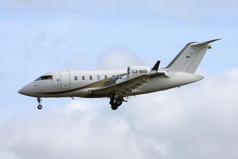 LZ-BVD Bombardier 605 Challenger c/n 5768 Paris-Le Bourget/LFPB/LBG 16-06-17