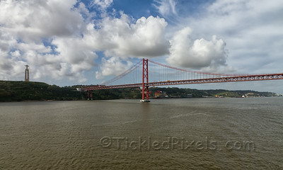 Cristo-Rei and 25 De Abril Bridge