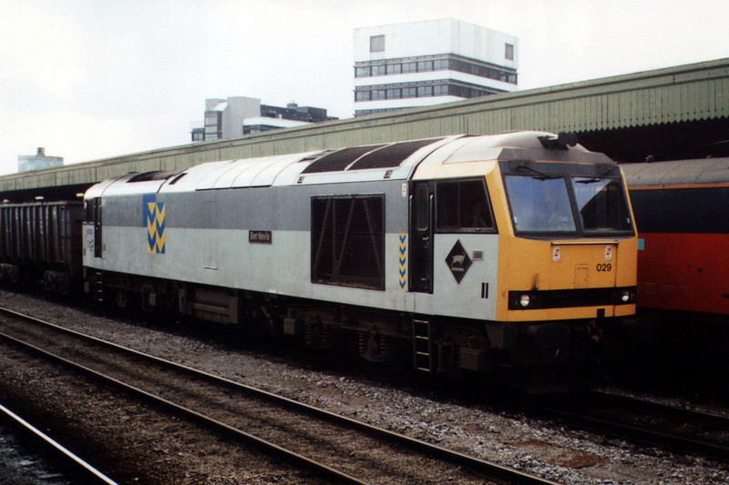 60029 at Cardiff Central.