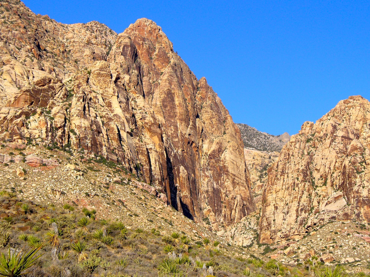 Nearing the canyon, with BV Wall now in view