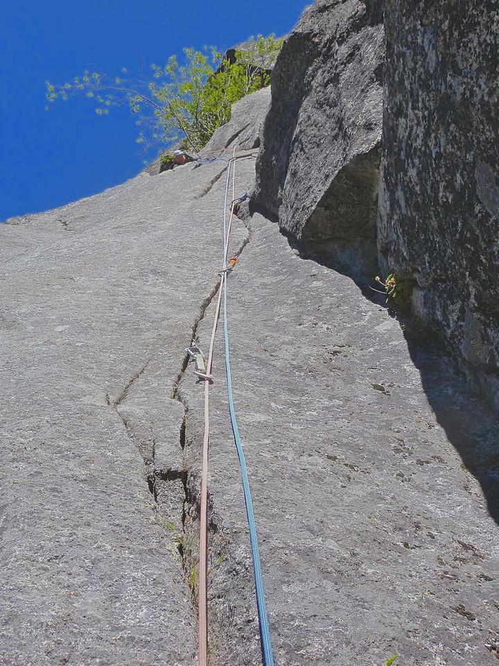 Di atop pitch 1