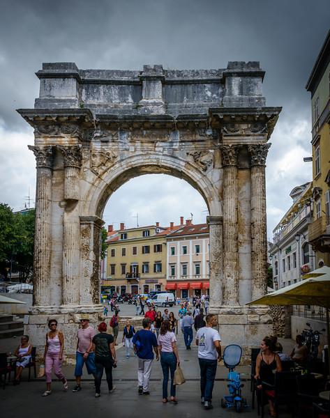 Arch of Sergius - Circa ~ 100 BCE