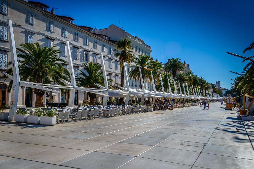 The RIVA - Pedestrian Promanade
