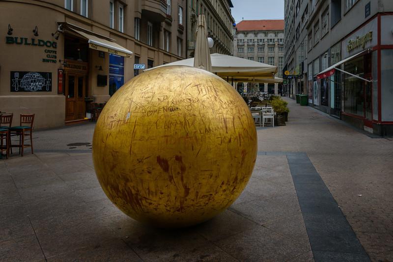 Sun by van Kožarić 1971 - Zagreb