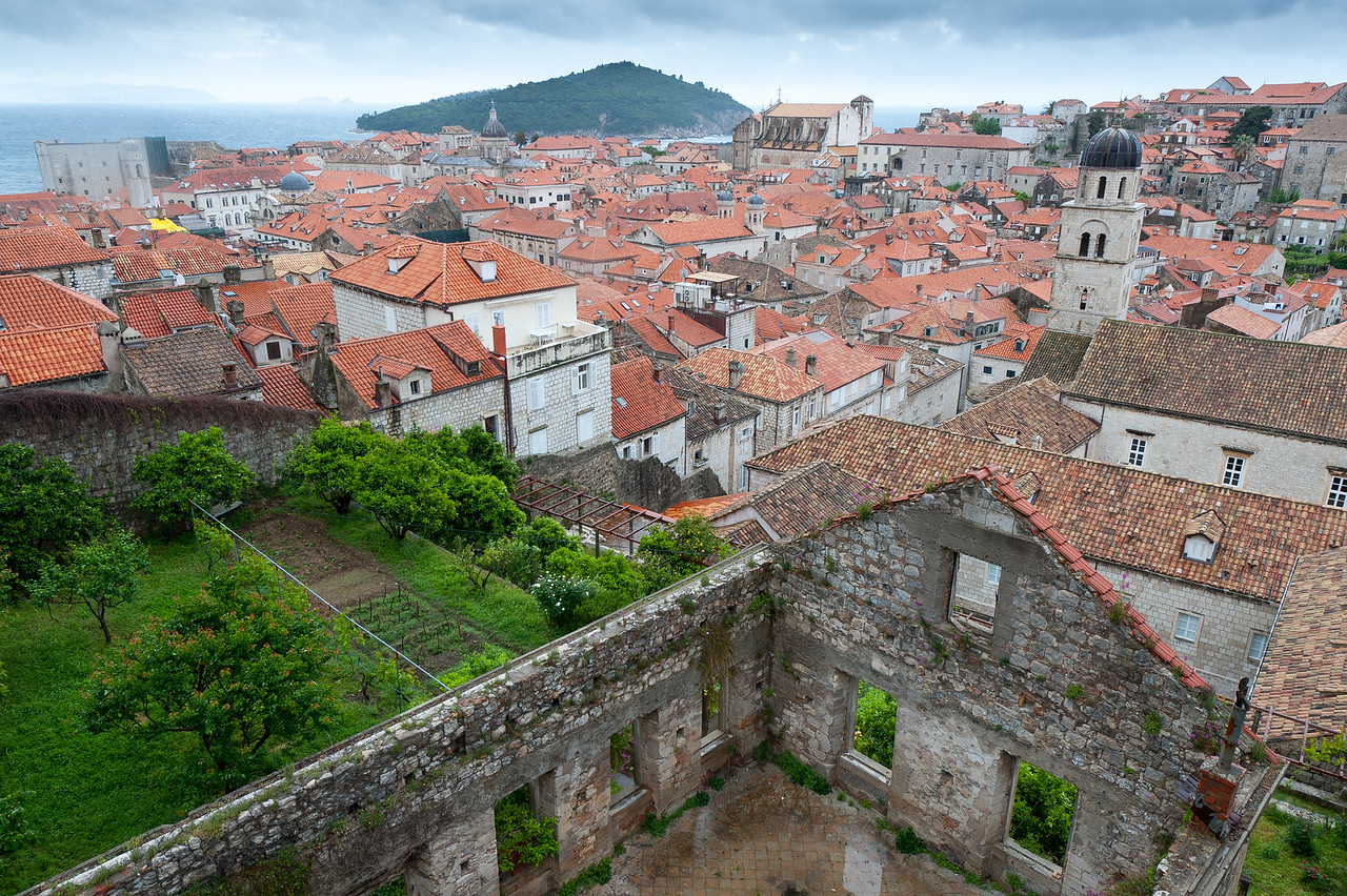 Closer shot of structures and houses in Dubrovnik, Croatia