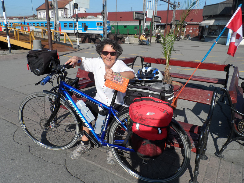 waiting for the train in Belgrade to Montenegro ... what to do with the bikes ... was an issue