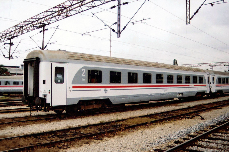 2nd clas car 61 78 20 70051-2 at Zagreb Glavni Kolod.