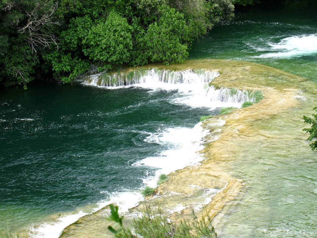 calcium carbonate in krka waterfall