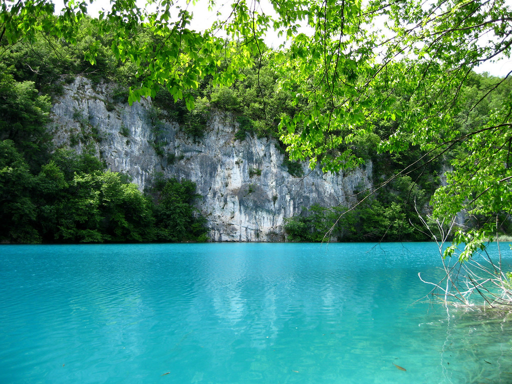 Turquoise waters so unreal - one of my favorite plitvice images!
