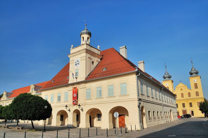 Osijek - Corps de garde et église Saint-Michel