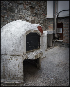 Traditional oven, Alona village