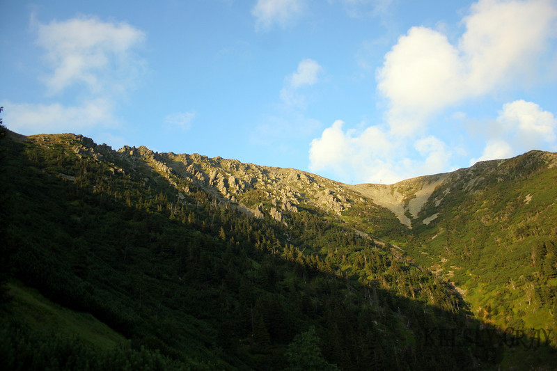 The hike down was also very enjoyable. It was nice to take a leisure stroll through a mountainside as the sun went down. The summit behind us and the rocks coming off the mountainside were looking very appealing.