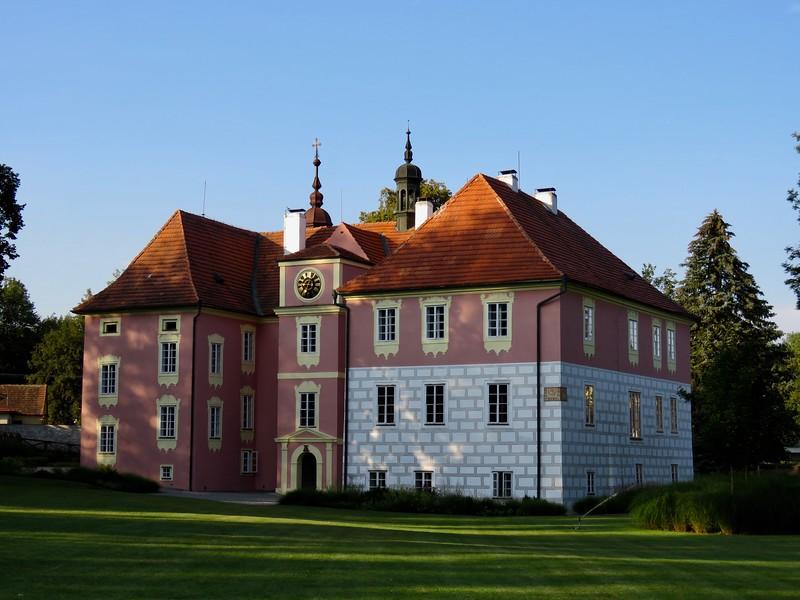 Castle Mitrowicz