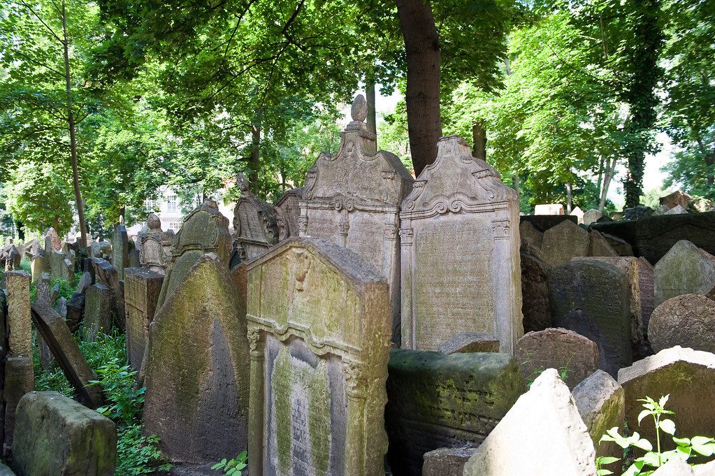 Old Jewish Cemetery ~ 200,000 graves  from 1439 - 1787