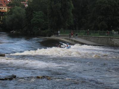 Raft tipping