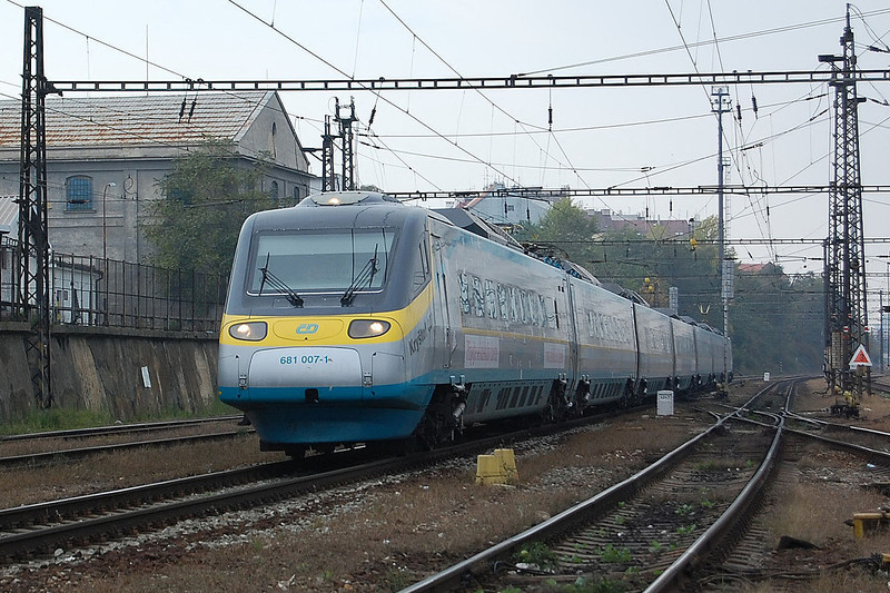 Pendolino 680 007 at Praha Liben.