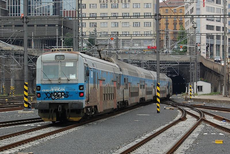 470003 leaving Praha hl.n