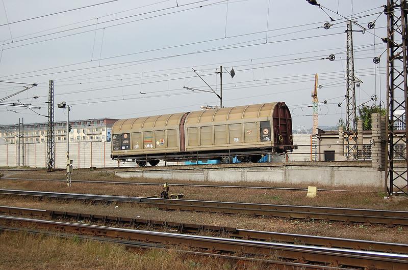 Hump shunting at Praha Liben.
