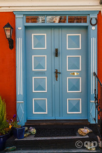 BLUE SQUARE DOOR