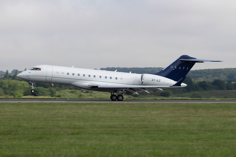 OY-ILG Bombardier BD-700-1A10 Global Express c/n 9163 Luton/EGGW/LTN 19-07-11