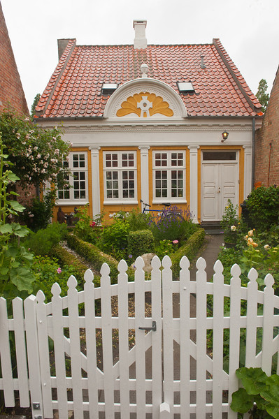 Little yellow house, Aeroskobing