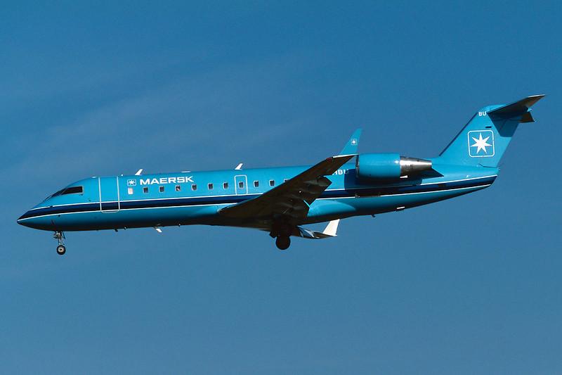 """OY-MBU Canadair Regional-Jet 200LR """"Maersk Air"""" c/n 7373 Brussels/EBBR/BRU 23-04-04 (35mm slide)"""