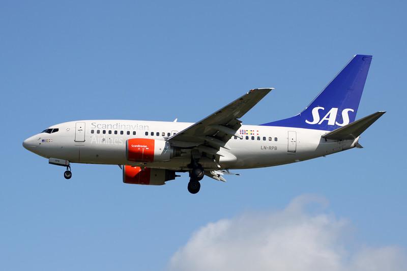 LN-RPB Boeing 737-683 c/n 28294 Brussels/EBBR/BRU 06-06-15