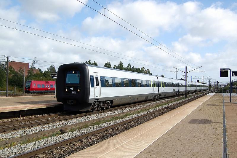 IR4 2121 at Toje Taastrup.