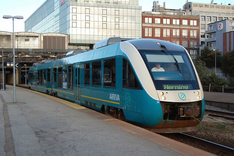 An ARRIVA Lint DMU at Aarhus.