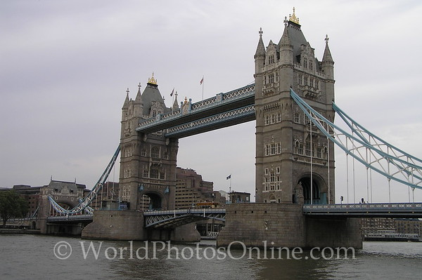 London - Tower Bridge - Closed