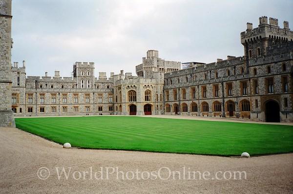 Windsor - Windsor Castle - Quadrangle in Upper Ward