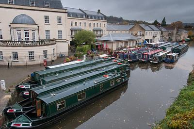 Narrow boats cruising over Bathampton in Bath, England