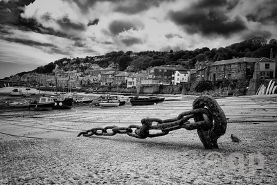 MOUSEHOLE, LOW TIDE