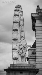 Lion Statue & London Eye