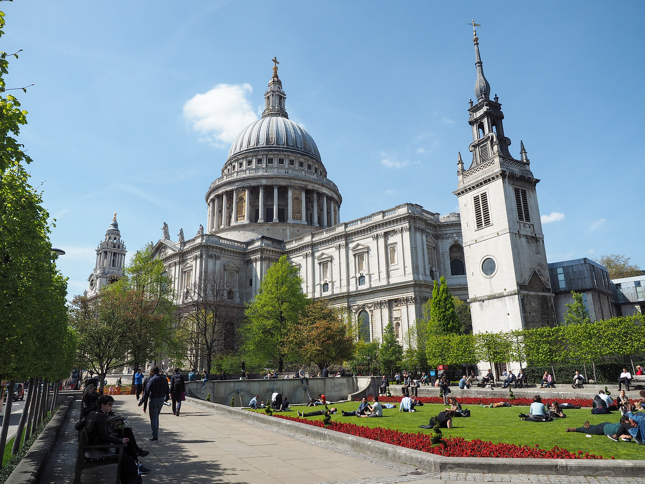 St. Paul's Cathedral in summer