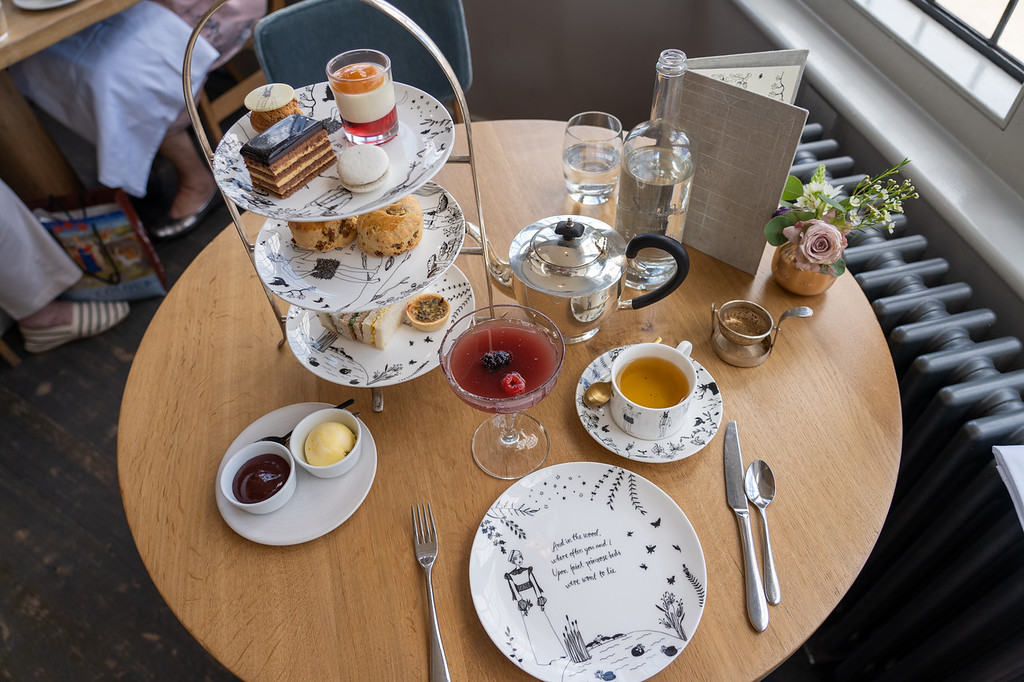 Shakespeare afternoon tea in London