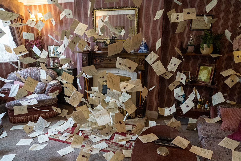 No. 4 Privet Drive filled with Hogwarts letters