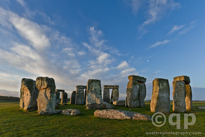WARM LIGHT ON STONEHENGE