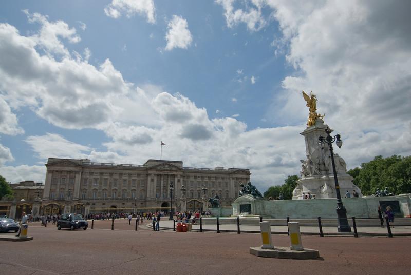 Street scene at Trafalgar Square in Westminster, England