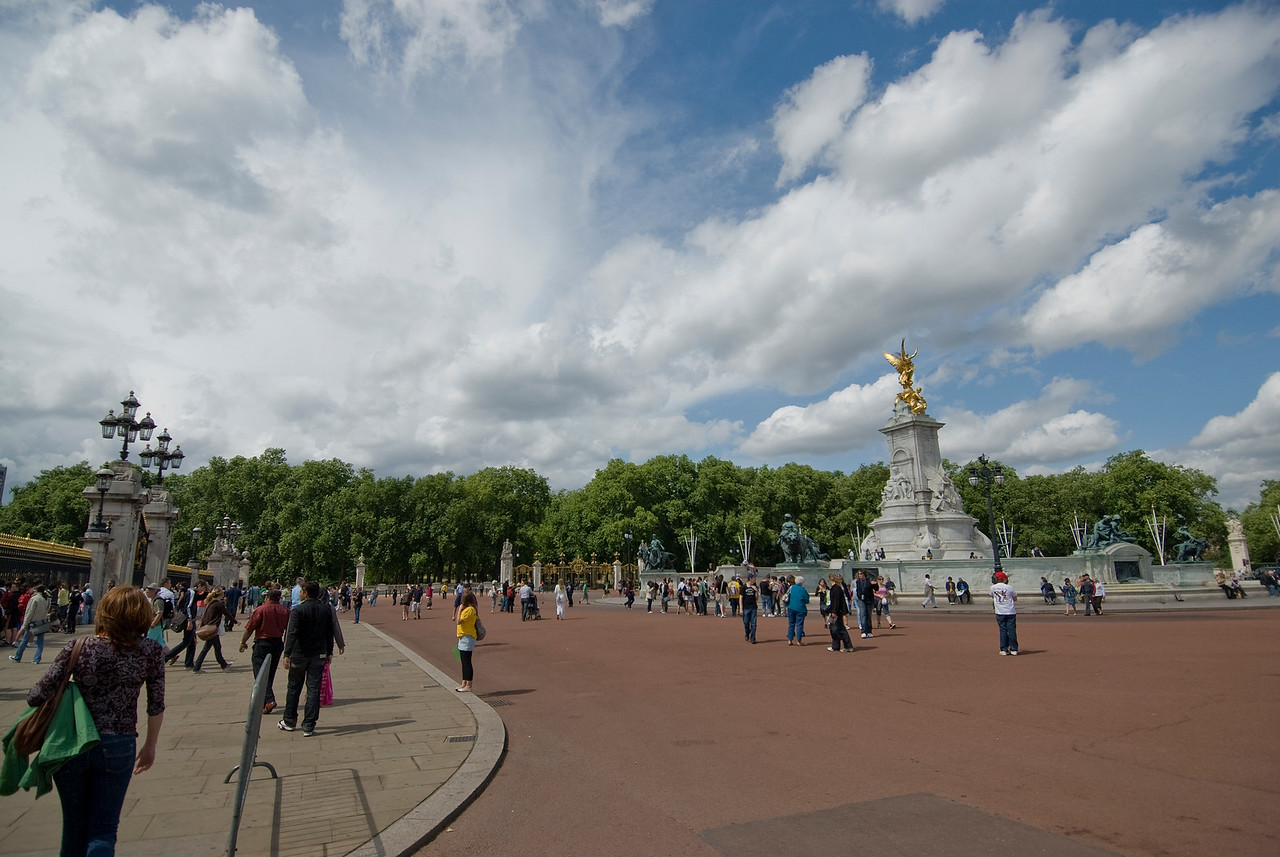 Panoramic view of the Trafalgar Square in Westminster, England