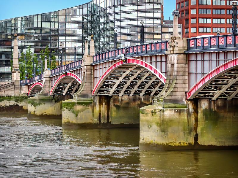 London - Lambeth Bridge