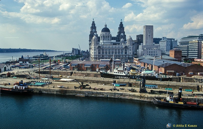 Albert Docks / Cityscape, Liverpool, England