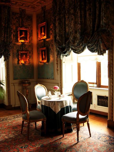 Warwick Castle sitting room
