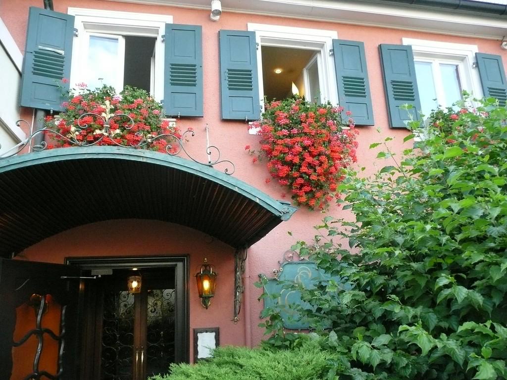 "Hotel ERBPRINZ:   <a href=""http://www.erbprinz.de"">http://www.erbprinz.de</a>    it was very nice and not expensive, I'd go back again."