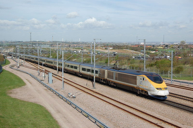 Eurostar set 3003 brings up the rear of a London bound service at Singlewell Loops near Ebbsfleet on High Speed 1.